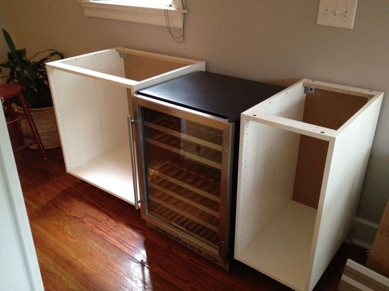 IKEA Hackers: NUMERAR + AKURUM + DIY = Chic Wine Bar