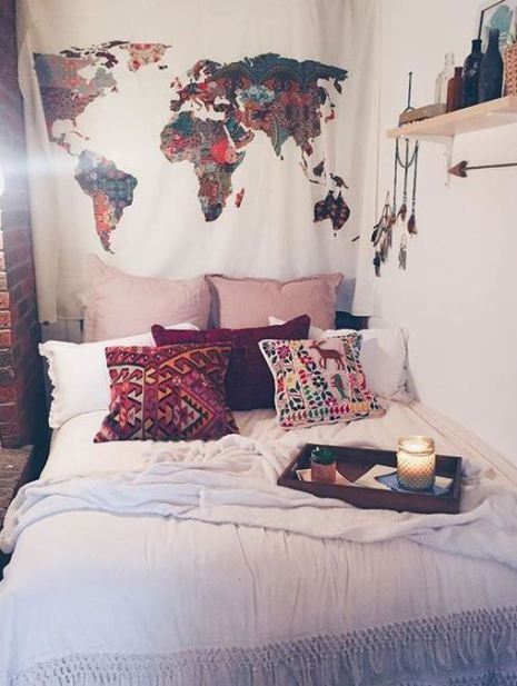 This is one of the cutest dorm room decor ideas for girls!