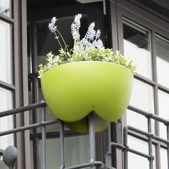 "Eckling is the first Balcony flowerbox for railing corners. It is developed by rephorm, the inventors of ""Steckling"", the original railing planter.  Available at www.rephormhaus.de , the webshop for urban design products from Berlin"