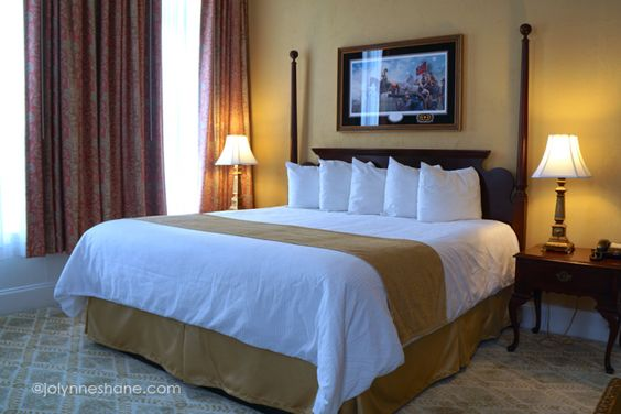 The beds at the Federal Pointe Inn are pure luxury. Our trip was #sponsored by @AscendHotels. #GoNative