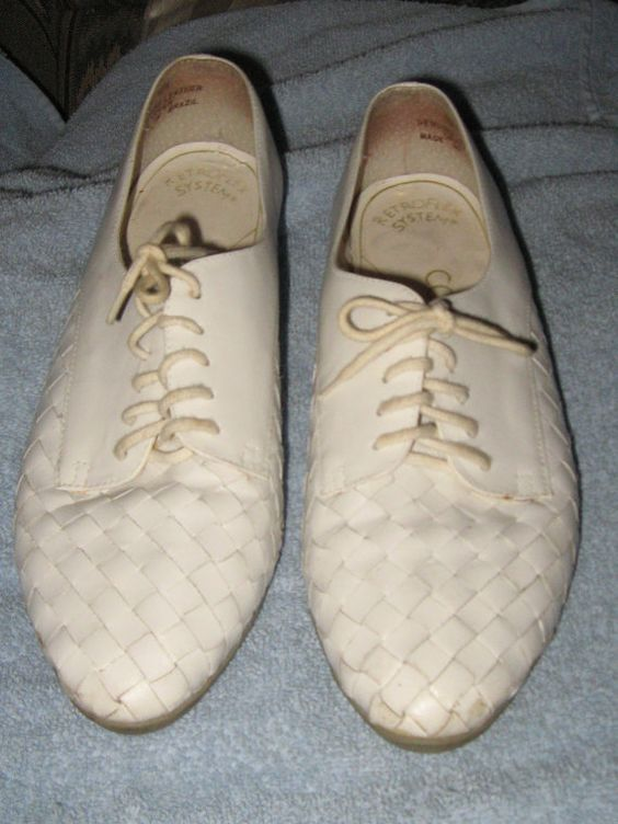 vintage  womens  basket Weave white Woven by Linsvintageboutique, $29.50