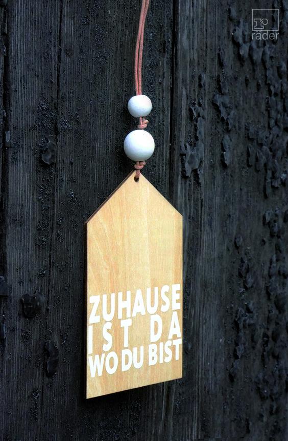 Zuhause ist da wo du bist. Zuhause. Holzanhänger aus Holz mit Lederband und Transparentpapier.