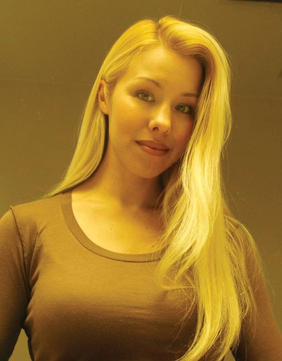 Psycho Killer: Jodi Arias. She stabbed her boyfriend- Travis Alexander 27 times, slit his throat from ear to ear and shot him in the face.