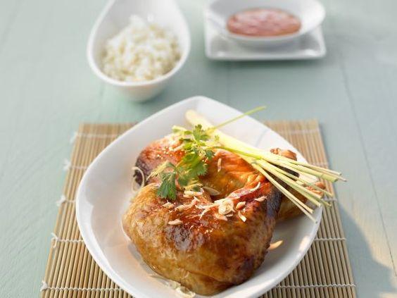 Gegrilltes Hähnchen auf thailändische Art mit Zitronengras ist ein Rezept mit frischen Zutaten aus der Kategorie Hähnchen. Probieren Sie dieses und weitere Rezepte von EAT SMARTER!