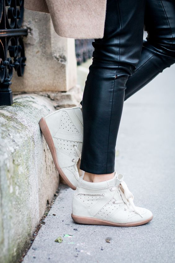 OUTFIT: Isabel Marant Bobby Sneakers Chalk | Bikinis & Passports