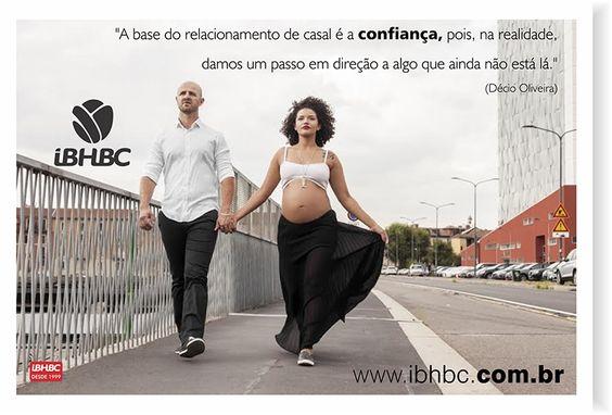 """""""A base do relacionamento de casal é a confiança, pois, na realidade,  damos um passo em direção a algo que ainda não está lá."""" (Décio Oliveira)"""