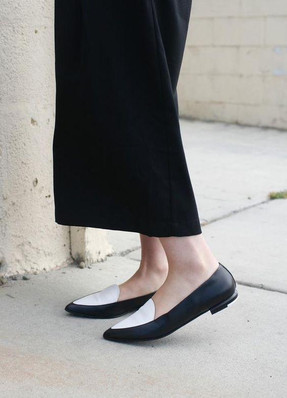 Everlane White and Black Modern Point ...