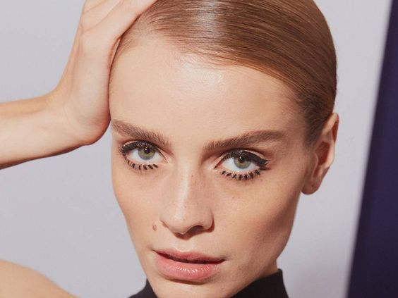 Transport yourself back to 1965 with this three-step Twiggy Halloween makeup tutorial.