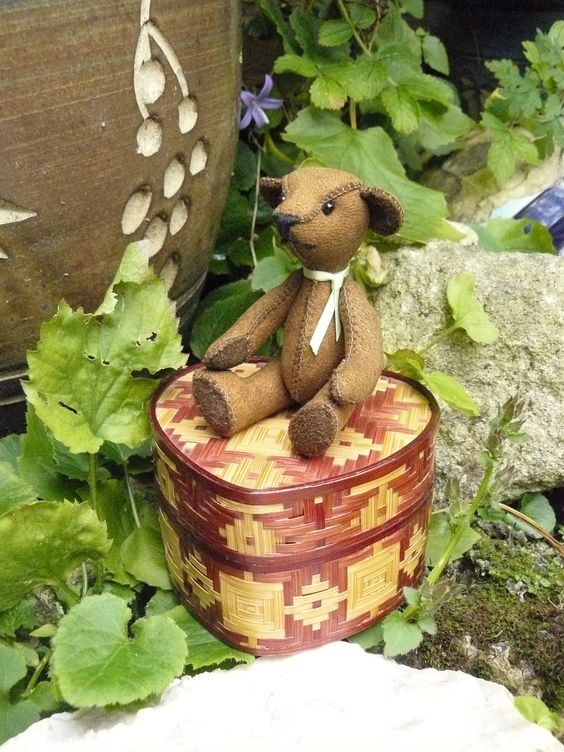 Image detail for -Teddy bear, Handmade, miniature, jointed, brown, leather, wooden box ...