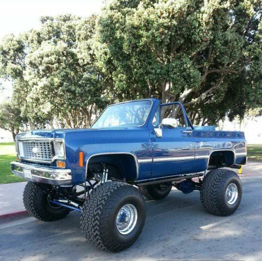 73 75 K5 Blazer Lifted Chevy Trucks Chevy Trucks Gm Trucks