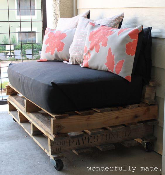 Home & Garden: Des palettes pour un canapé!