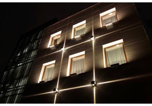 Architectural Bureaux De Eclairage Facade L39immeuble La Architectural Lighting O Facade Lighting Architectural Lighting Design Exterior Lighting Design