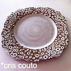 Flores brancas.... (cris couto 73) Tags: flores ceramica ceramic handmade plate clay prato criscouto