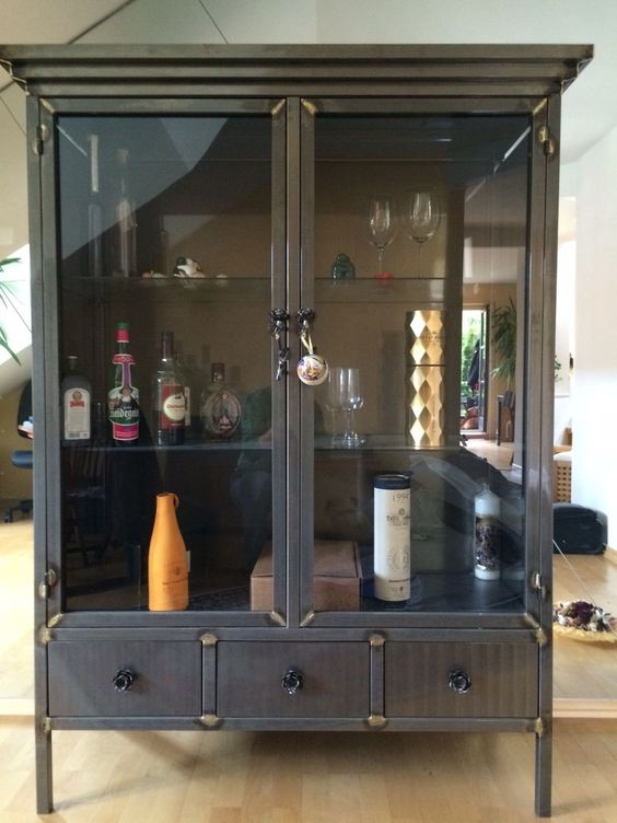 stilvolle Einrichtung Wohnzimmer Spiegel