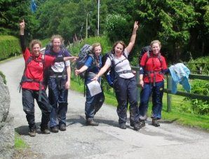 One very happy group finishing their Gold Expedition in the sunshine!