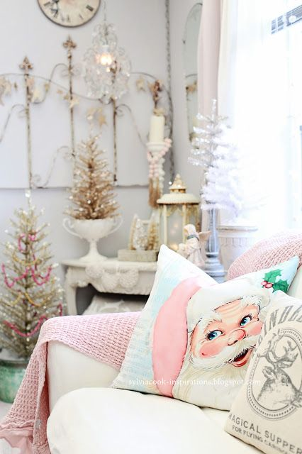 Christmas Home Tour 2018 - pink living room | Inspirations #pinkchristmastree #christmasdecor #shabbychicchristmas #shinybrites #bottlebrushtrees #pinksantapillow