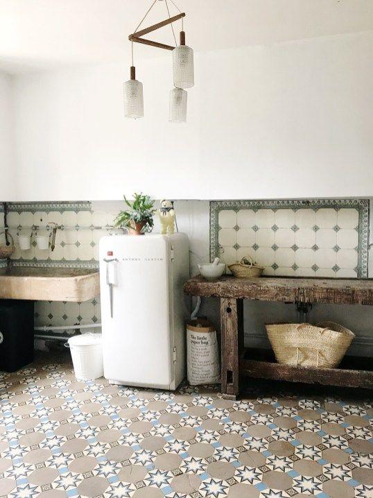 La Renovation D Une Maison Ancienne Par Pauline Instagram Levelorose Renovation Vieille Maison Meuble De Cuisine Ikea Deco Maison Ancienne