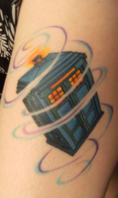 Not a Doctor Who fan, but this is too cute!! TARDIS Tattoo by Ghulah, via Flickr. Doctor Who.