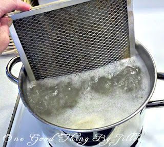 How to clean your stove's exhaust fan filter. Truly disgusting to see all the grease come off it!!! But works wonderfully well!!!