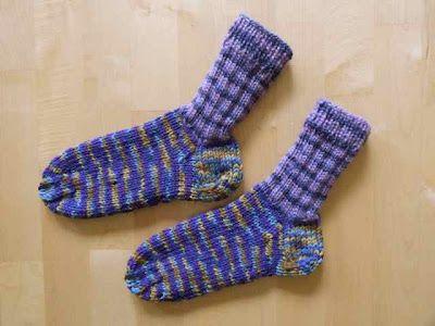 Aus kaputten alten Socken werden neue