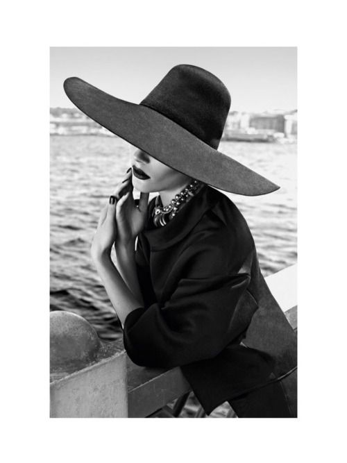 #vintage #photography #blackandwhite #hatsofyesteryear