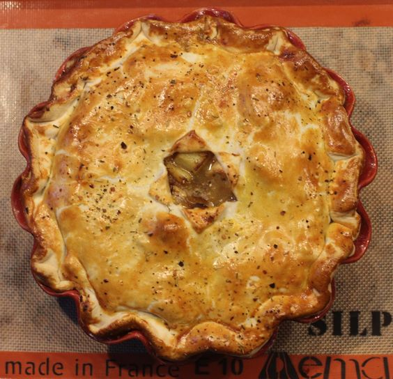 Step by step directions for a fabulous chicken pot pie.  It'll make your tummy growl!