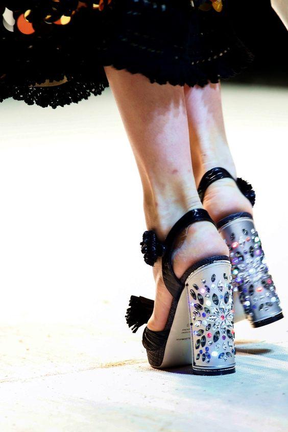 Dolce & Gabbana   Milan Fashion Week   Spring 2017 - welcome in the world of fashion
