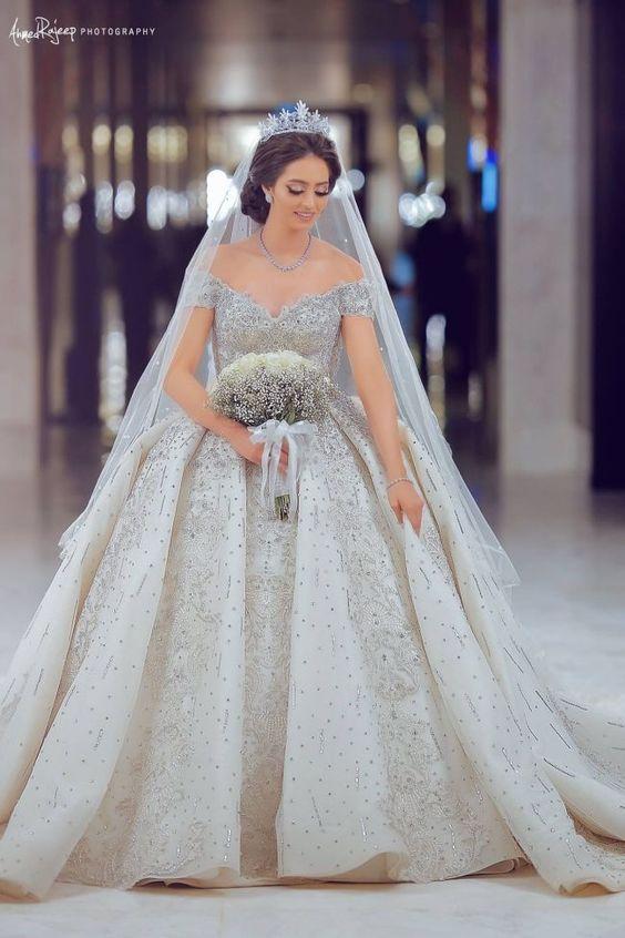 So Elegant Wedding Dresses but Like A Queen