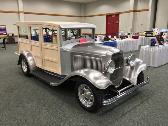 Exhibitor Cars of the 46th Annual Street Rod Nats
