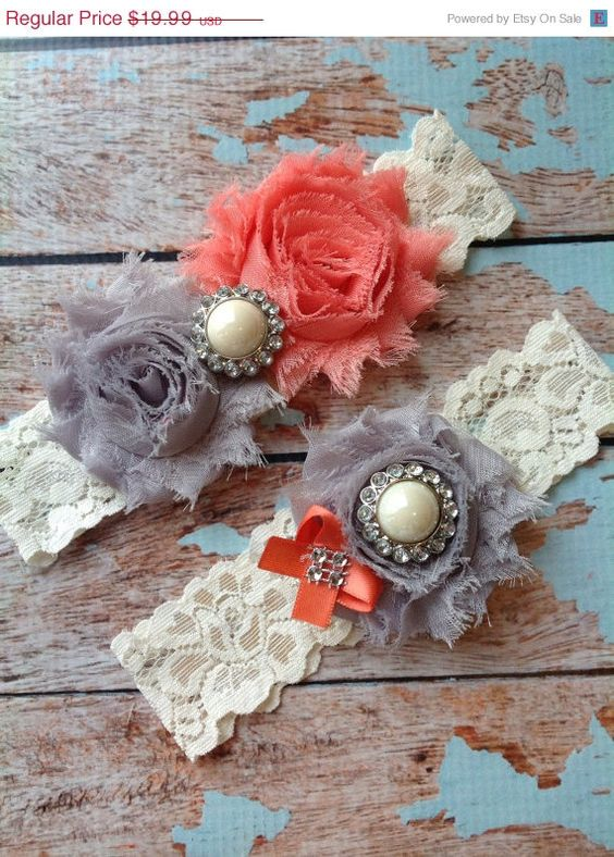 LOOK (((SALE))) CORAL & Grey wedding garter set / bridal  garter/  lace garter / toss garter included /  wedding garter / vintage inspired