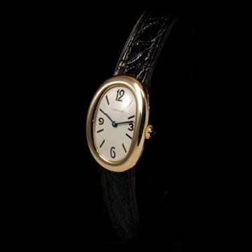 Montre Baignoire Cartier, 1960. cresus.fr