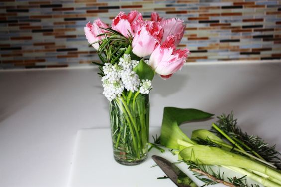 How to Make a Spring Bouquet Affinia Hotels  Spring has arrived, bringing with it a cornucopia of beautiful flowers ready for arranging. From deciding which flowers to use to choosing the vase itself, we've got you covered.