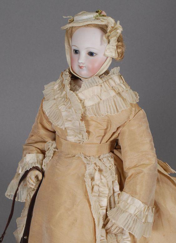 http://www.carmeldollshop.com/category/doll/fashiond/FFD-462-g.jpg