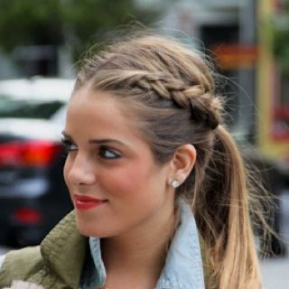 Signature braid    @Olivia Ostlund This looks exactly like what you did to my hair that one time!!!: Pony Tail, Braided Pony, Hair Styles, Hairstyle, Braid Ponytail, Hair Color
