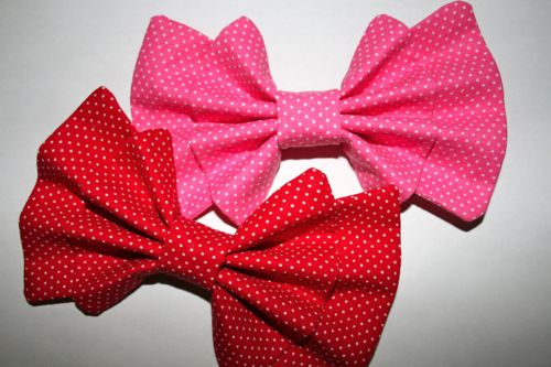 I love these ruffle bows!