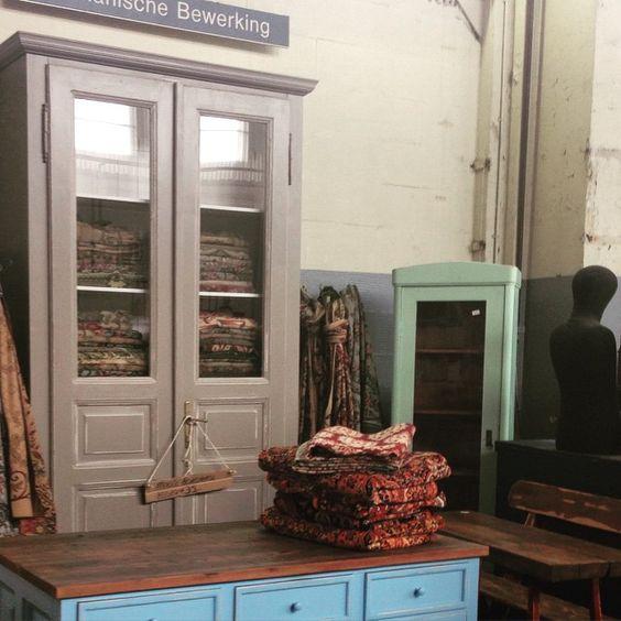 Kast gemaakt van oude #deuren uit #boedapest gevuld met hongaarse #kleden bij #vandijkenko #vintage #vintagechic #industrialfurniture #brocante #fleamarketstyle #industrialdesign #shabbychic #interior #interieur #ilovenoord #amsterdamnoord #amsterdam #antic #antiek #antiques #budapest #sprei #kleed #toog #commode #vitrine #decovintage