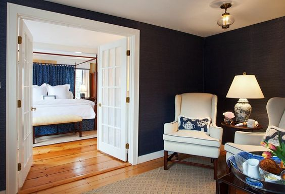 Room No. 09 in Nantucket's Union Street Inn, redesigned by Dujardin Design Associates. We've renovated each of the 12 guestrooms to showcase beautiful period details. The elegant rooms offer luxurious bedding, stunning designer furniture and fabrics, flat screen tv's and complimentary wi-fi.