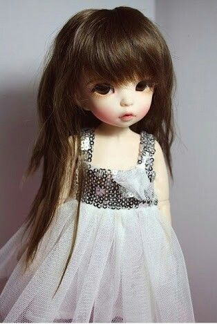 Queria ser uma boneca de porcelana as vezes...