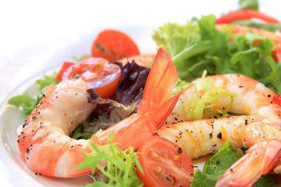 12 способов, которые помогут превратить ваш овощной салат в полноценное блюдо