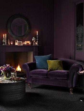 Aubergine Sofa And Walls Interior Homedecorideas Bedroom Livingroom Interiordesignlivingroom Kitch Purple Living Room Dark Living Rooms Moody Living Room