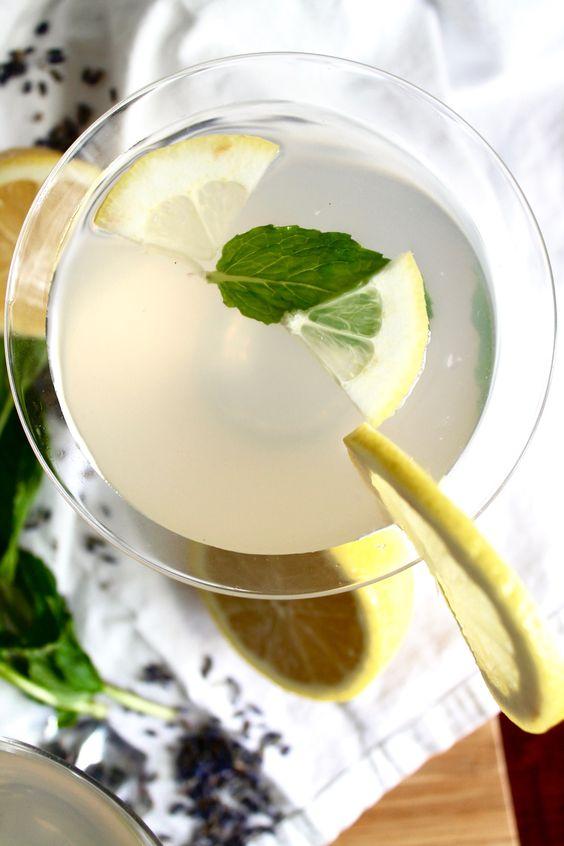 Lavender Mint Vodka Lemonade - Spices in My DNA