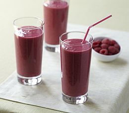Hawaiian raspberry smoothie: 3 cups fresh or frozen red raspberries (about 12 ounces) 2 bananas, fresh or frozen 3/4 cup pineapple juice, unsweetened 3/4 cup orange juice 3/4 cup ice 1 1/2 cups low-fat vanilla yogurt Blend  together.