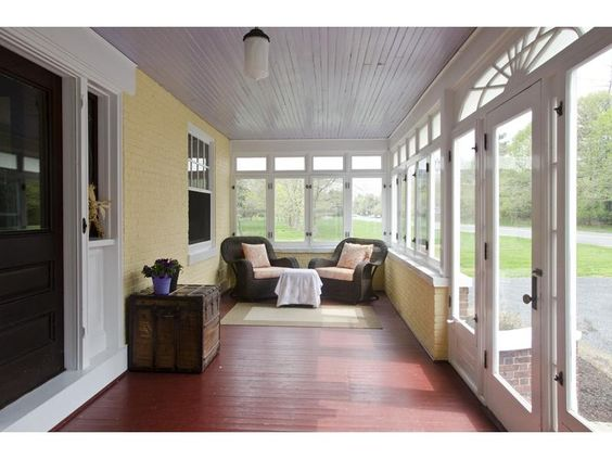 Enclosed front porch designs great ways that enclosed for Enclosed porch furniture ideas