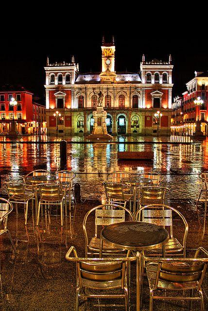 Plaza Mayor, Valladolid - Y no para de llover | Flickr: Intercambio de fotos