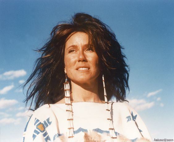 Mary McDonnell: Dances with wolves (1990) - Independence day (1996) - Donnie Darko (2001)