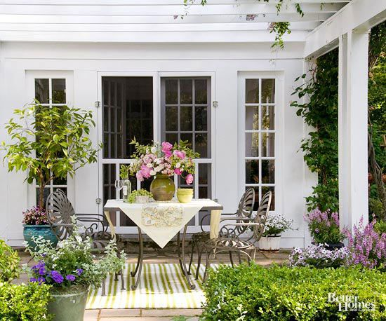 Small simple outdoor living spaces outdoor living - Simple outdoor living spaces ...