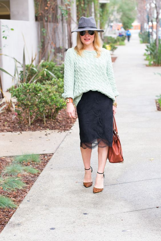 SWEATER: ZARA / LACE SKIRT: CLUB MONACO / HEELS: SCHUTZ/ HAT: NORDSTROM/ BAG: COACH / SUNGLASSES: RAYBAN/ CUFF: SOLE SOCIETY