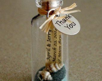 12 Mini mensaje BOTELLITAS regalos o ajustes de por WeddingsAway