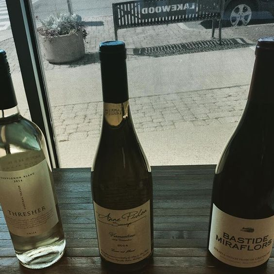 Believe it or not, we are ready again for our #weeklywinetasting. Where does the time go,  anyways?  This week again we have three great wines for you to try:  Thresher, a nice Chilean Sauvignon Blanc and two from France - Anne Pichon Sauvage Vermentino and Bastide Miraflors Vieilles Vignes.  As you can see, Garnacha month continues, #chileanwine #garnacha #garnachamonth #winetime #vino #sauvignonblanc #vinoblanco #vinotinto #winelover #winestagram #frenchwine #winetasting #lakewoodny…