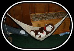 Okay, horrible picture, but it's a free pattern! Crochet baby hammock photo prop
